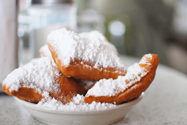 There's more to Louisiana food than beignets and gumbo! Click through for food recommendations for your next trip to Louisiana!