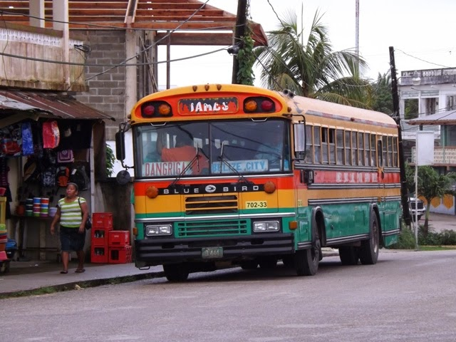 Mini Travel Guide: Belize // yesandyes.org
