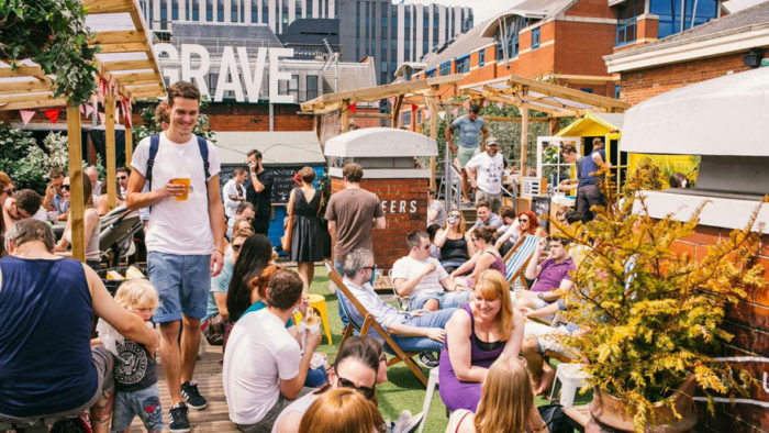 Looking to travel Leeds on the cheap? Click through for bargain travel tips from a local - what to do in Leeds, where to eat and stay, and tons of other cheap travel tips!